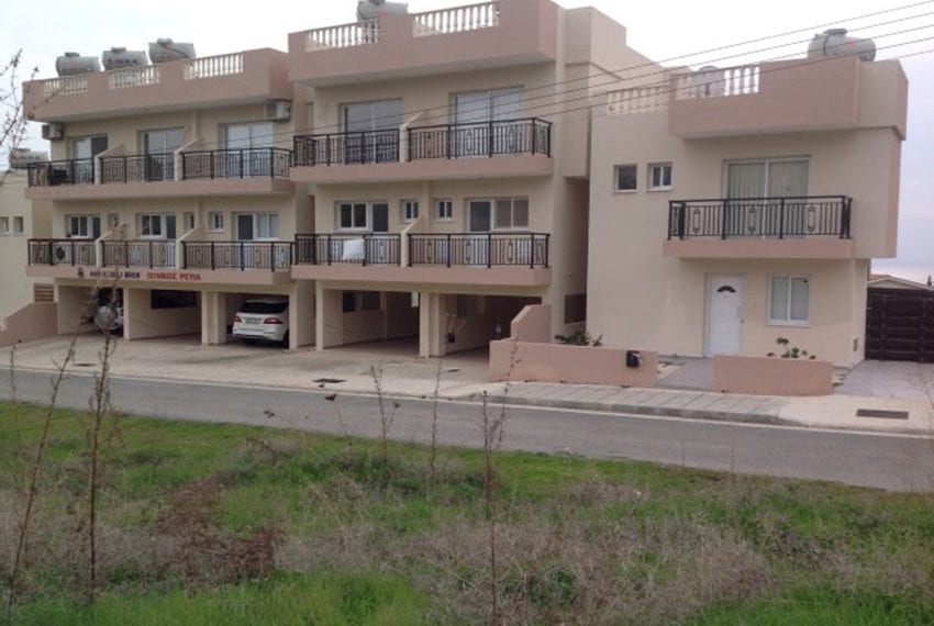 3 bed townhouse with sea views Peyia Cyprus09