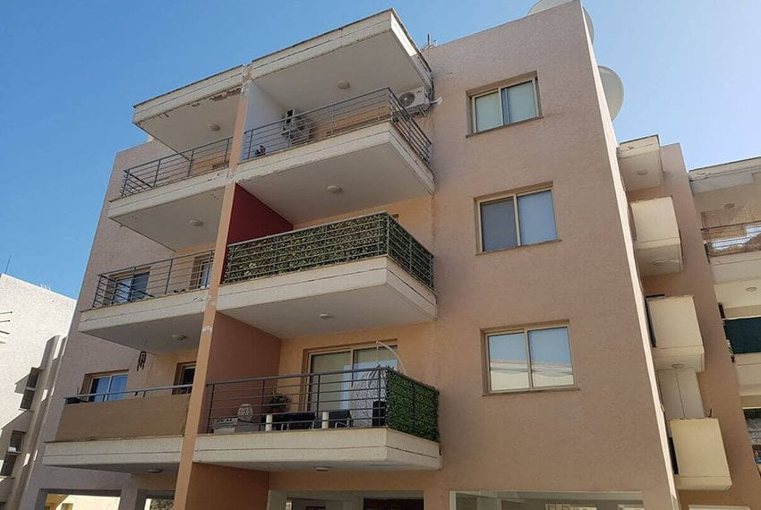 Spacious 1 bed apartment for sale Germasogeia