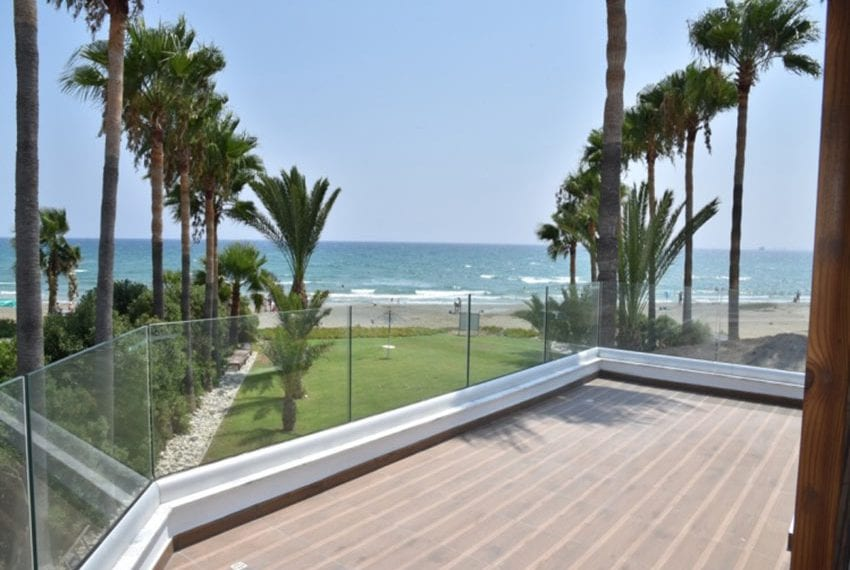 Beach front villa for sale in Cyprus, Larnaka06