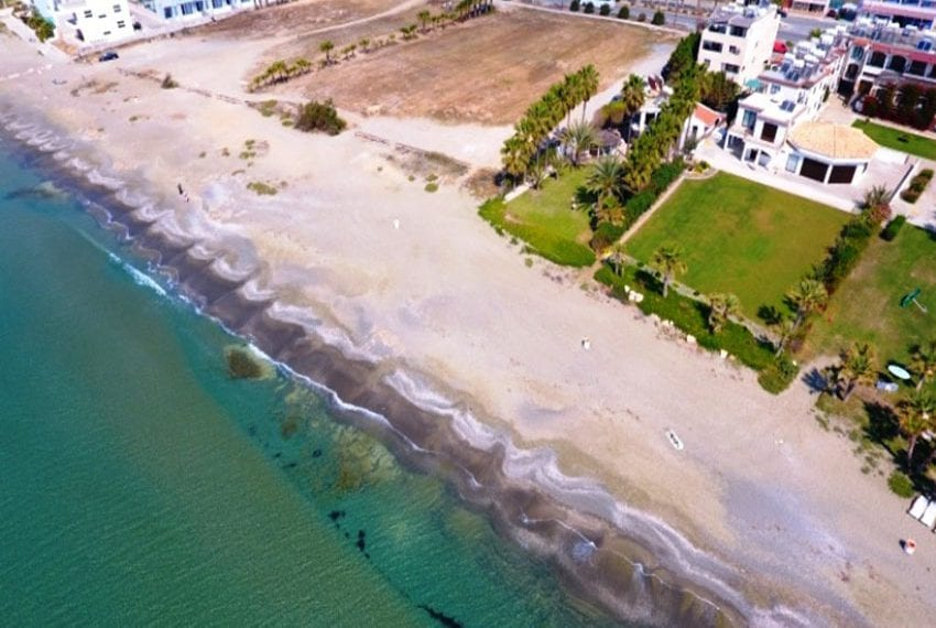Beach front villa for sale in Cyprus, Larnaka07