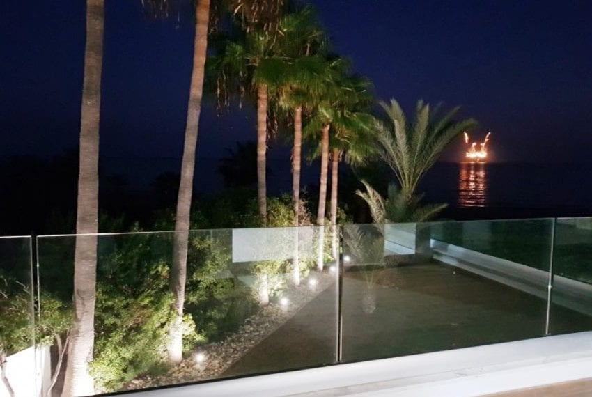 Beach front villa for sale in Cyprus, Larnaka08