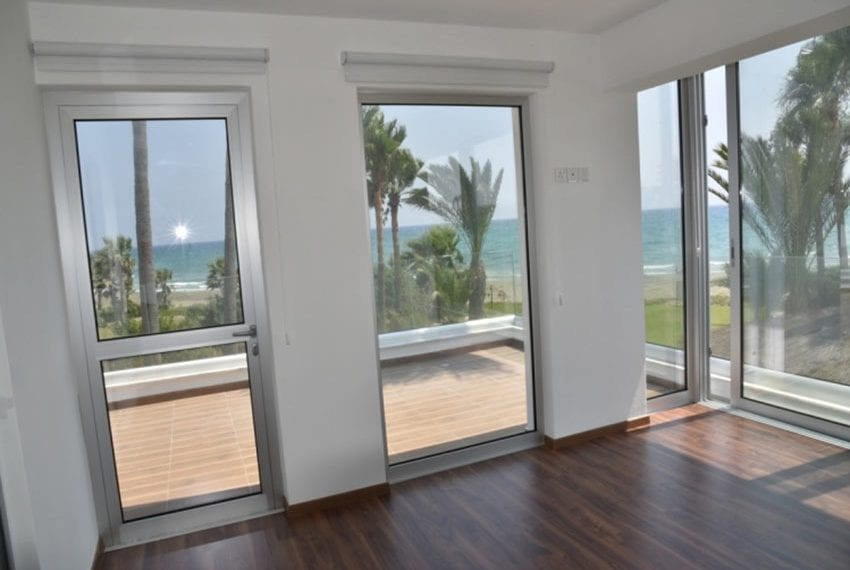 Beach front villa for sale in Cyprus, Larnaka13