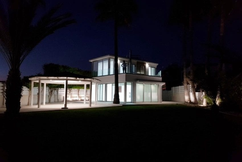 Beach front villa for sale in Cyprus, Larnaka16
