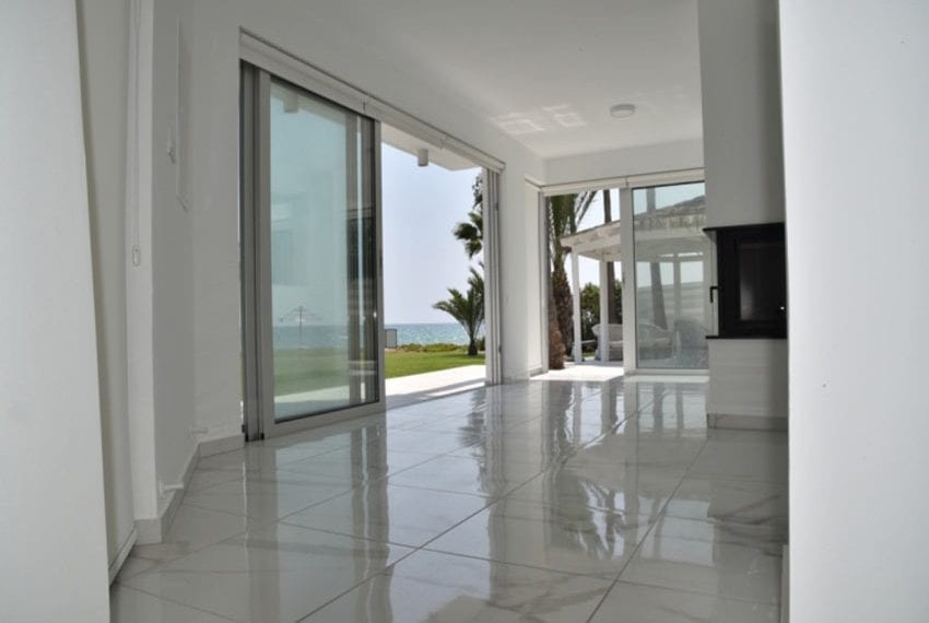 Beach front villa for sale in Cyprus, Larnaka23