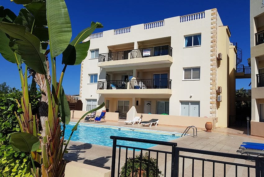 King sunset Pafos garden apartment for sale02