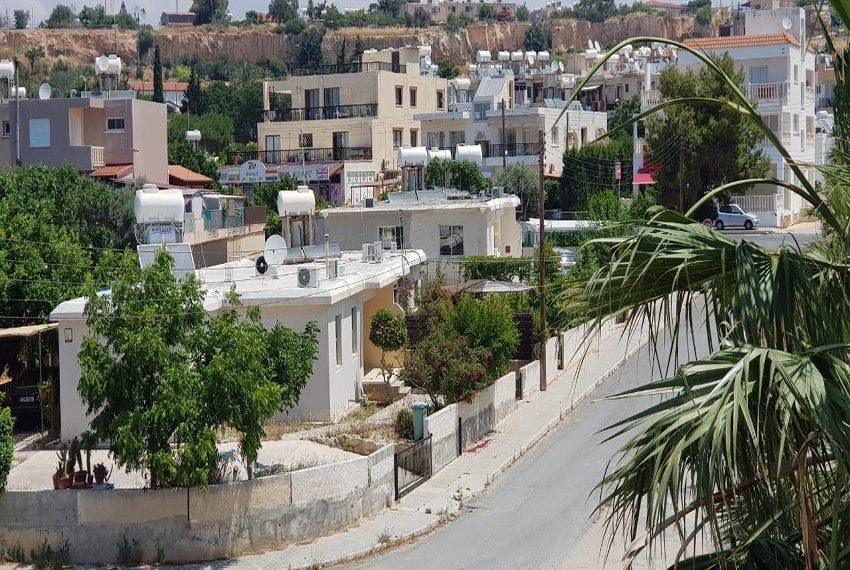 King sunset Pafos garden apartment for sale04