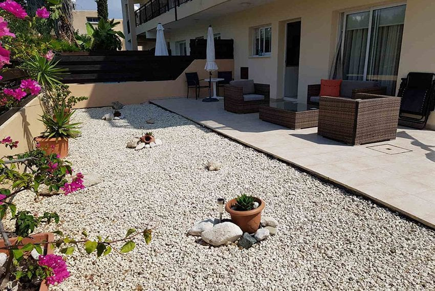 King sunset Pafos garden apartment for sale07