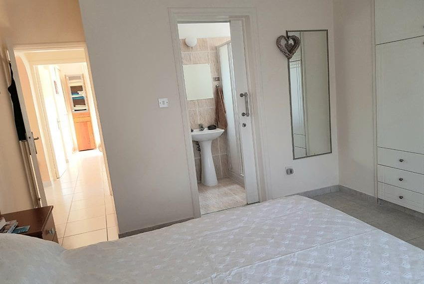 King sunset Pafos garden apartment for sale10