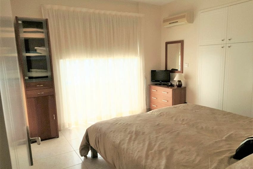 King sunset Pafos garden apartment for sale11