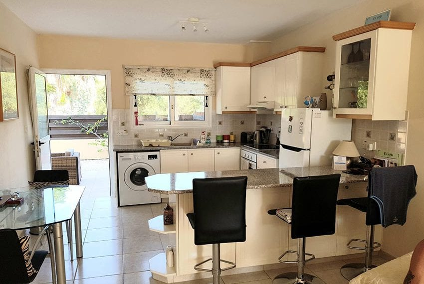 King sunset Pafos garden apartment for sale13