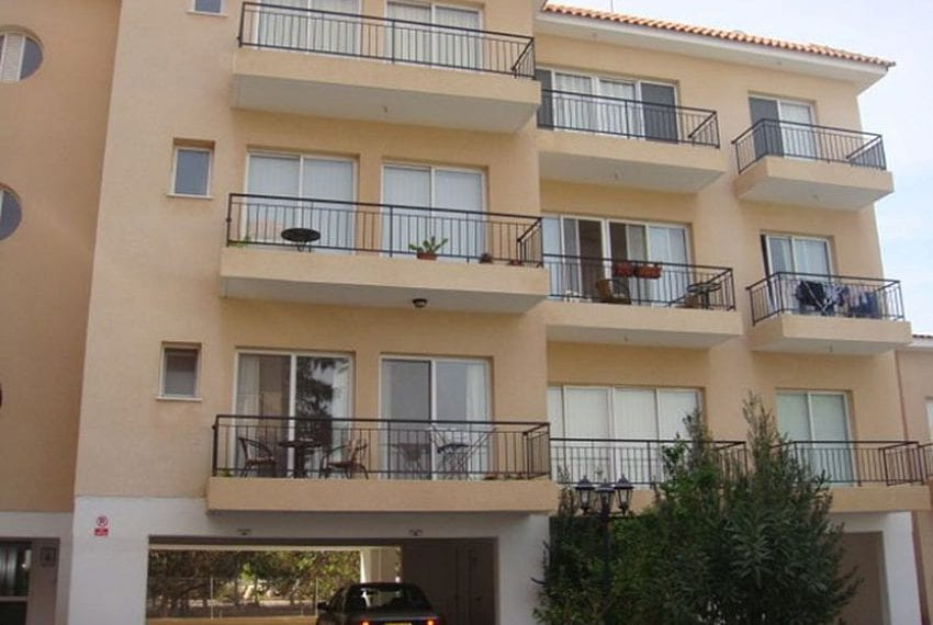 Top-floor-apartment-for-sale-Universal-Pafos01