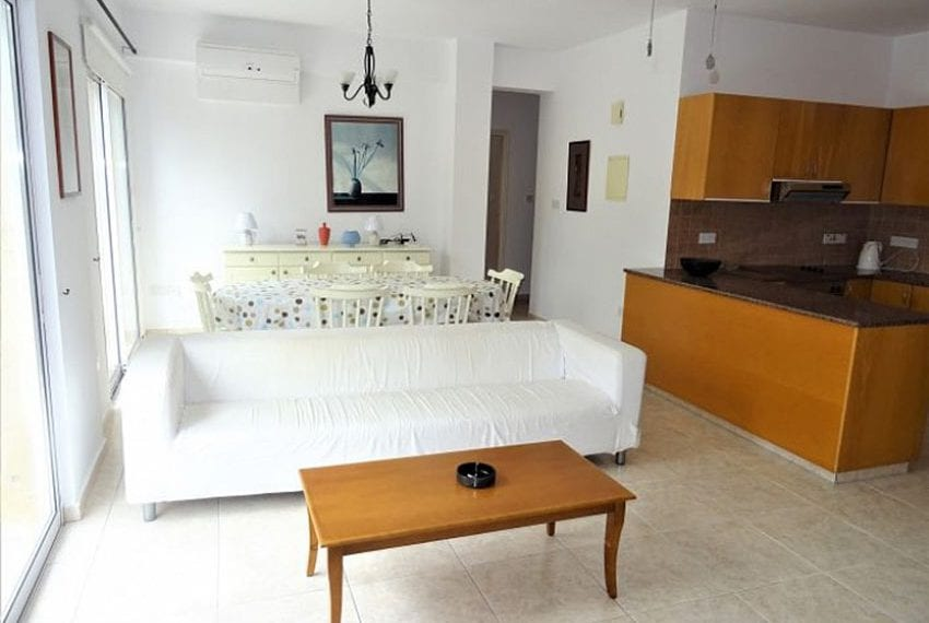 Top-floor-apartment-for-sale-Universal-Pafos11