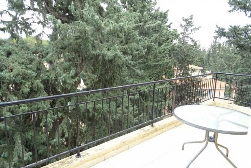 Top-floor-apartment-for-sale-Universal-Pafos15