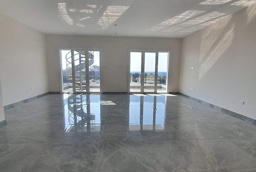 Luxury-apartment-for-sale-private-roof-terrace-Limassol01