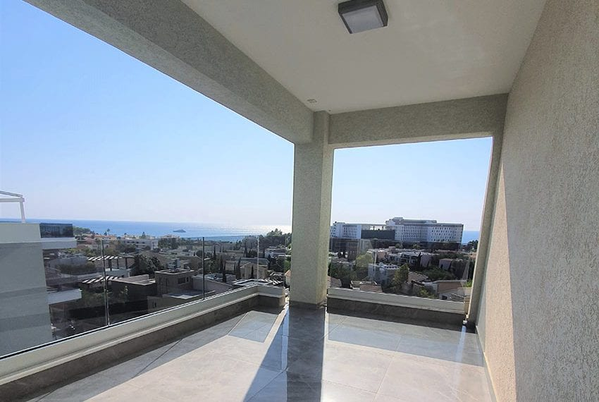 Luxury-apartment-for-sale-private-roof-terrace-Limassol06
