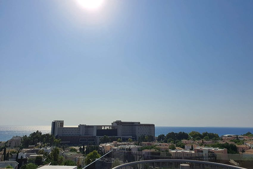 Luxury-apartment-for-sale-private-roof-terrace-Limassol09