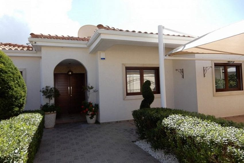 Bungalow for sale with panoramic sea views Peyia03