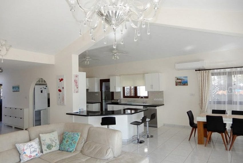 Bungalow for sale with panoramic sea views Peyia07