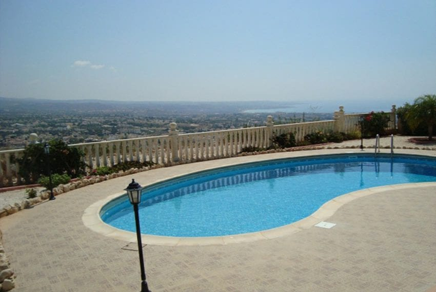 Bungalow for sale with panoramic sea views Peyia17
