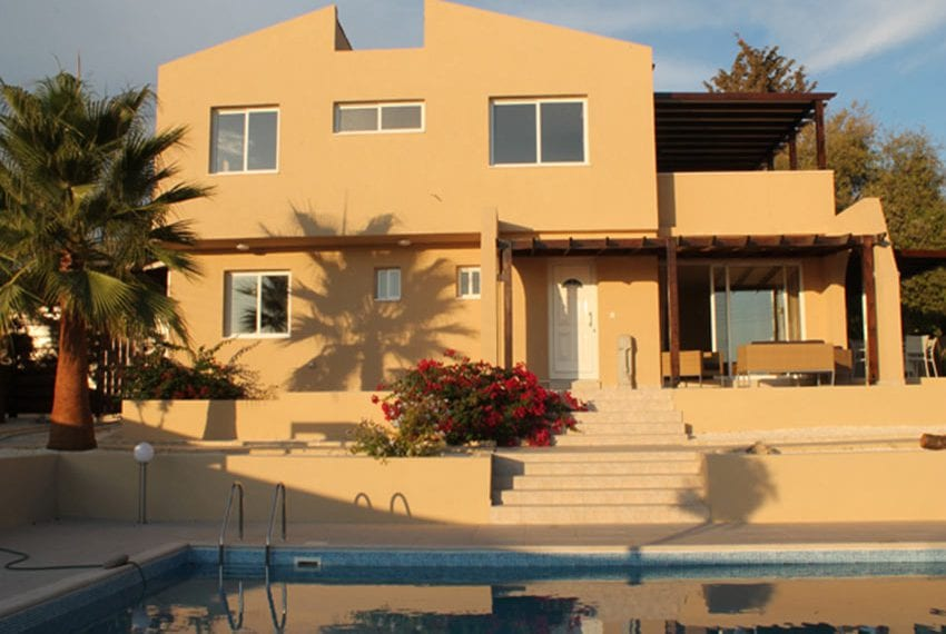 5 bedroom house for sale in Lofos Tala