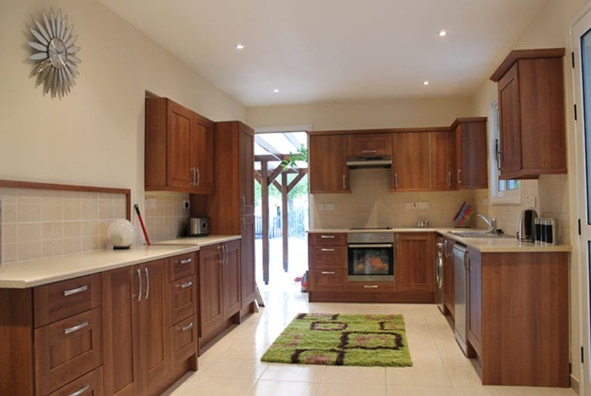 5-bedroom-house-for-sale-in-Lofos-Tala11