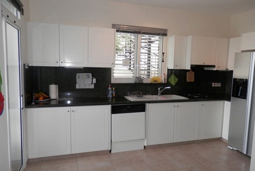 Villa with annex for sale Peyia Cyprus07