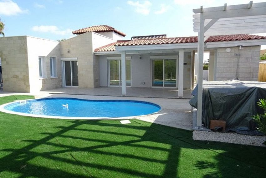 Bungalow-for-sale-Coral-bay-Pafos-Cyprus04