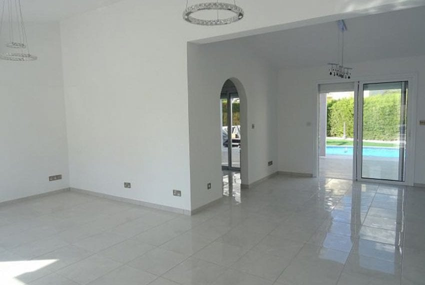 Bungalow-for-sale-Coral-bay-Pafos-Cyprus06