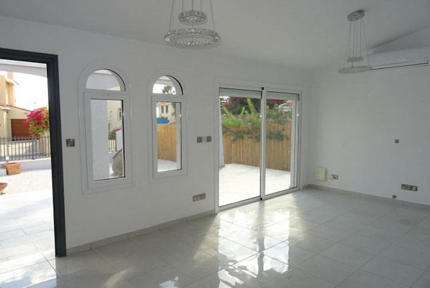 Bungalow-for-sale-Coral-bay-Pafos-Cyprus07
