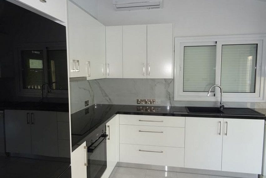 Bungalow-for-sale-Coral-bay-Pafos-Cyprus08