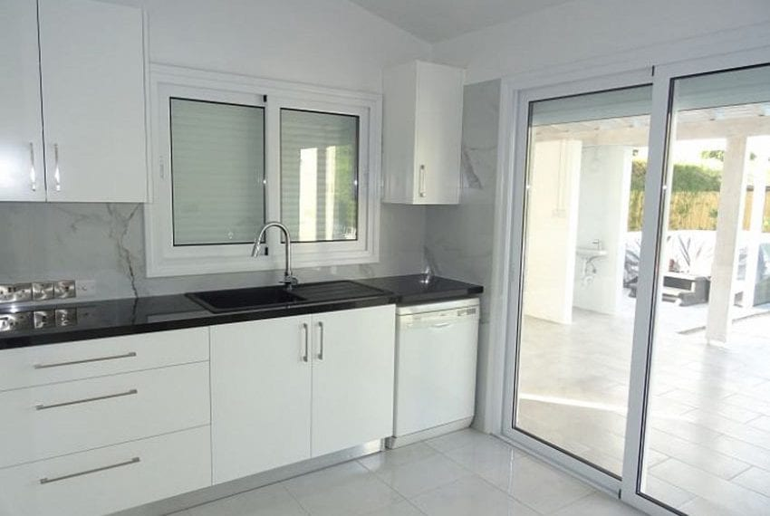 Bungalow-for-sale-Coral-bay-Pafos-Cyprus09