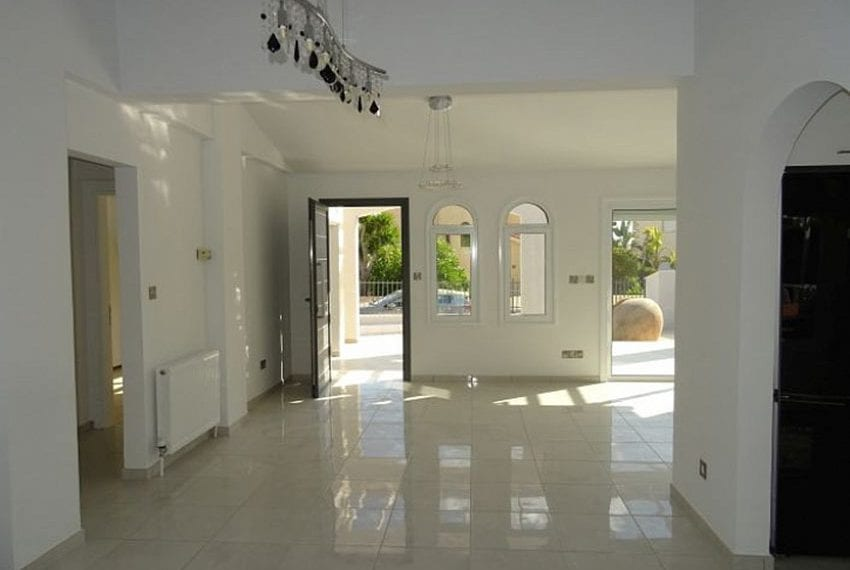 Bungalow-for-sale-Coral-bay-Pafos-Cyprus10
