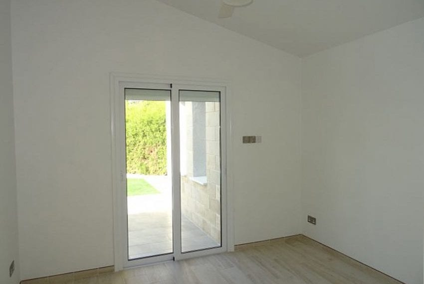 Bungalow-for-sale-Coral-bay-Pafos-Cyprus11