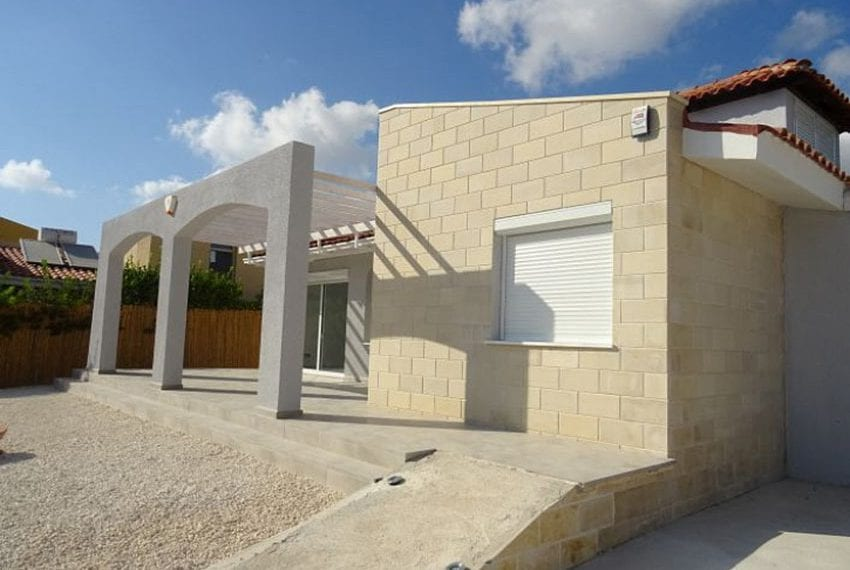 Bungalow-for-sale-Coral-bay-Pafos-Cyprus16