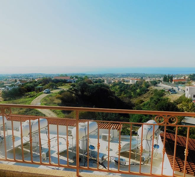 Townhouse for sale with sea views in Peyia