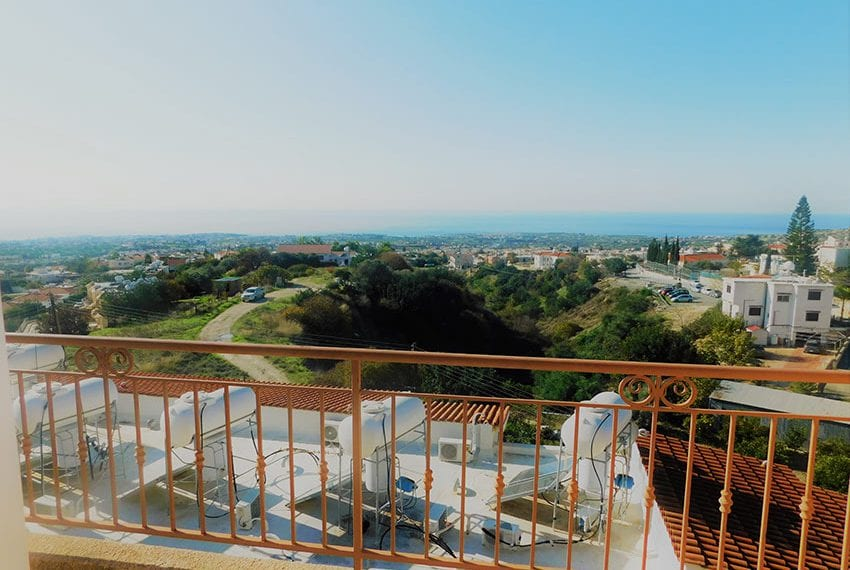Townhouse for sale with sea views in Peyia03
