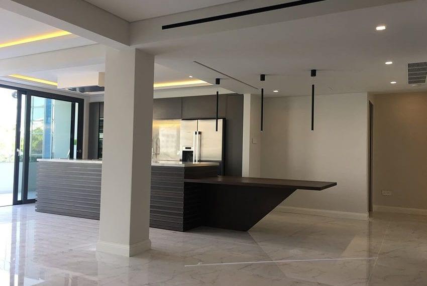 3 bedroom apartment for sale Kirzis center Limassol05
