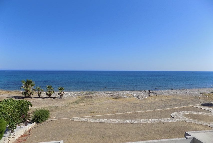 Luxury beach villas for sale in Cyprus√24