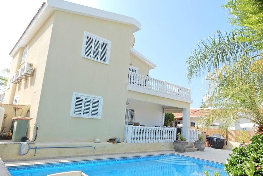 Detached villa for sale in Kissoenrga Pafos01