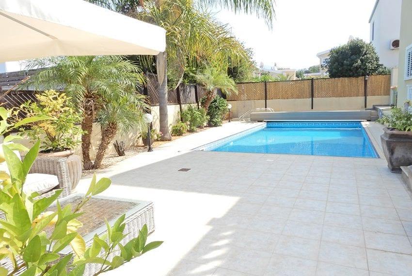 Detached villa for sale in Kissoenrga Pafos02