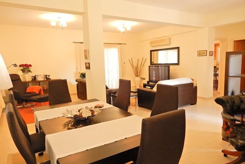 Detached villa for sale in Kissoenrga Pafos10