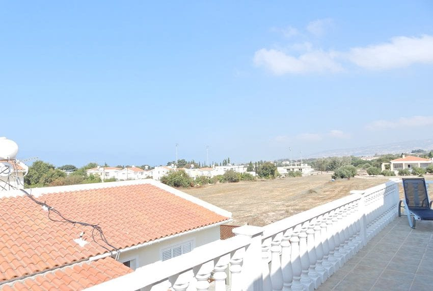 Detached villa for sale in Kissoenrga Pafos19