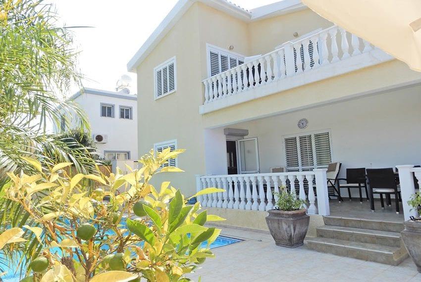 Detached villa for sale in Kissoenrga Pafos31