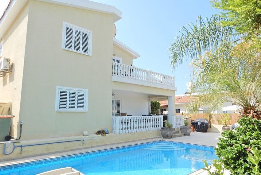 Detached villa for sale in Kissoenrga Pafos34