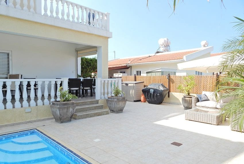 Detached villa for sale in Kissoenrga Pafos35