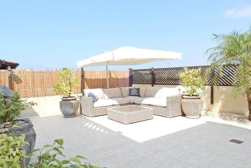 Detached villa for sale in Kissoenrga Pafos37