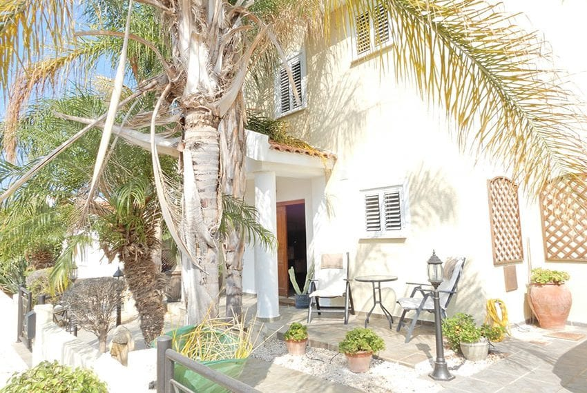 Detached villa for sale in Kissoenrga Pafos39