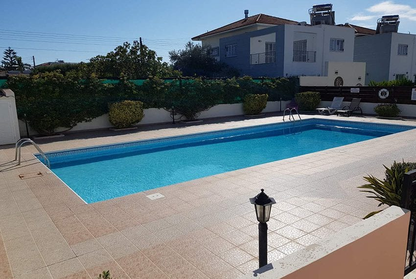 1 bed garden apartment for sale Universal Pafos