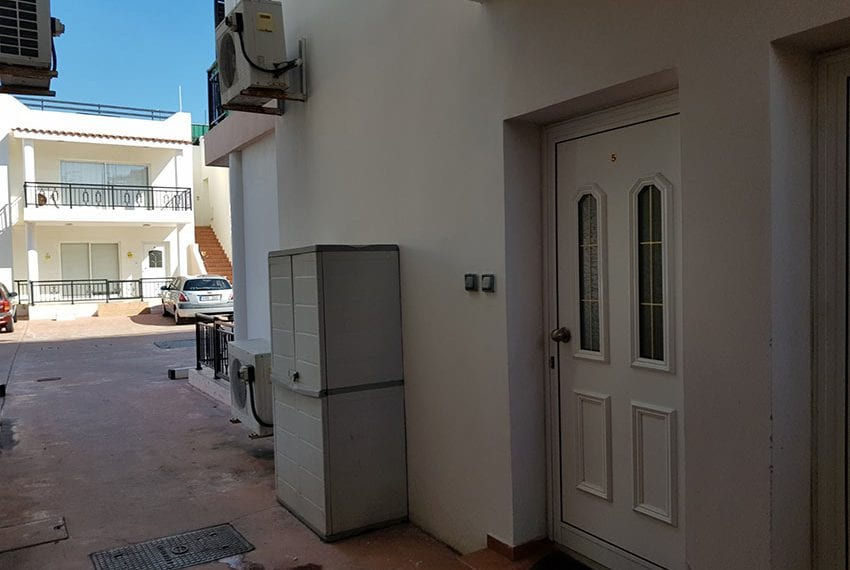 1 bed garden apartment for sale Universal Pafos11