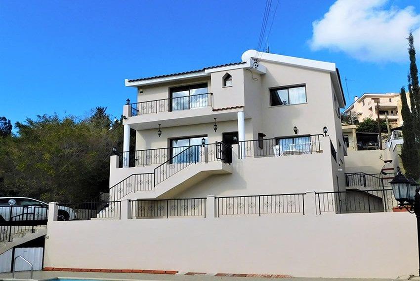 4 bedroom villa for sale Yeroskipou Pafos